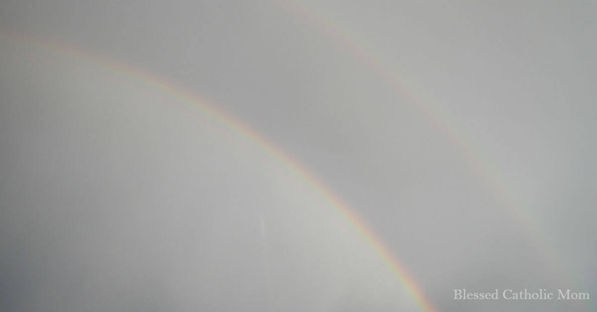 Create a simple Bible reading plan is not difficult. Image of a double rainbow.