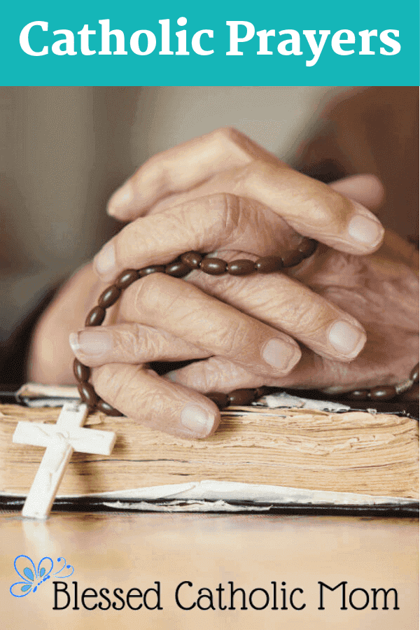 There are many beautiful traditional and newer Catholic prayers that help us to grow in our faith and connect our hearts and minds to Christ. #Catholic #prayers