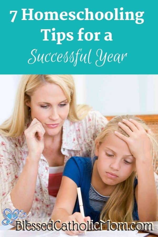 Image of a mom helping her daughter with her schoolwork.